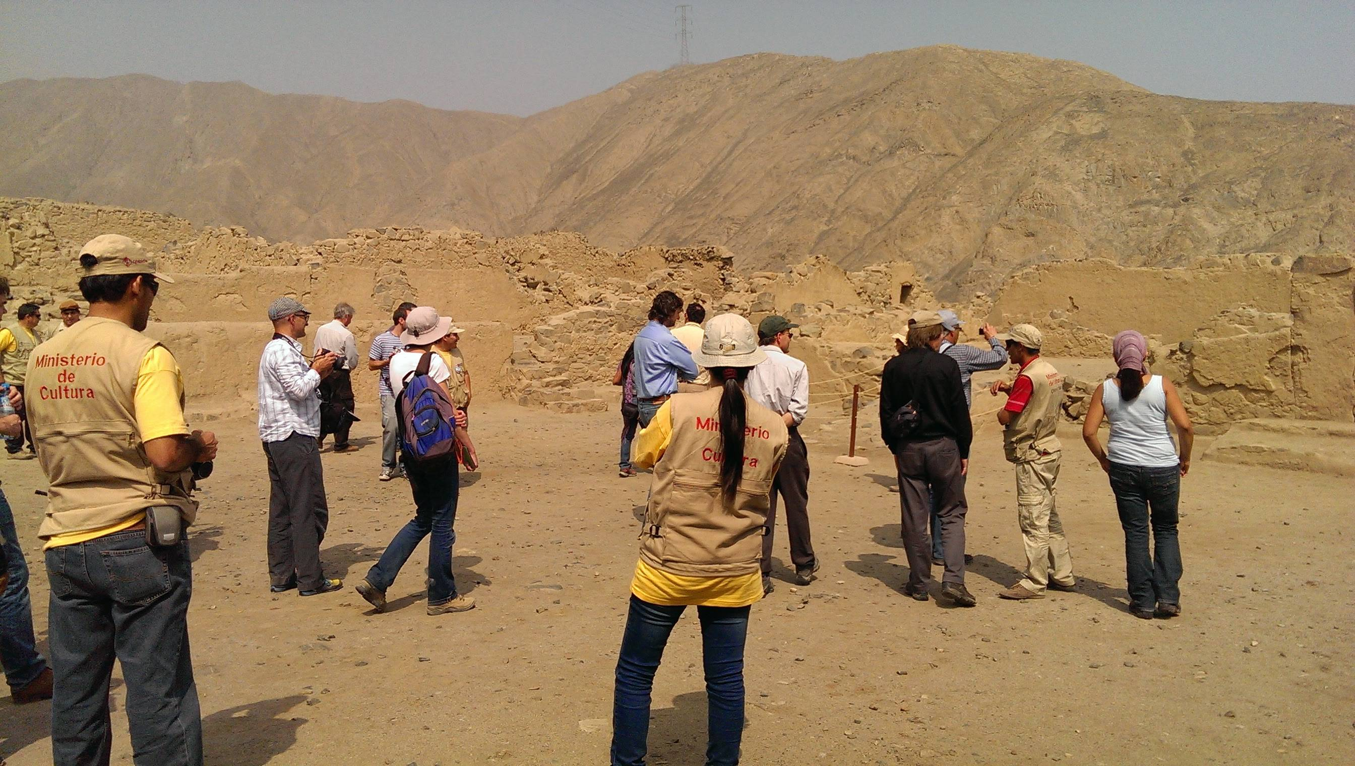 Huaycan de Cieneguilla - Archaeological site in Peru - Visit by american professors invited by Peruvian researchers from the Ministry of Culture